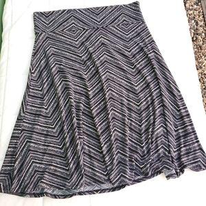 LulaRoe Azure style black & white skirt. Size 2XL